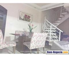 Vende-se Casa Duplex 3 Quartos/1 Suíte - 180m2 - 3 Vagas - Aceita Carta/FGTS