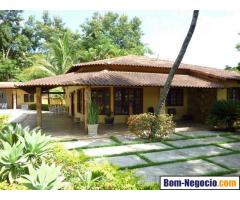 Vende-se Casa Linear 3 Quartos/2 Suítes - 288m2 (Terreno: 960m2)