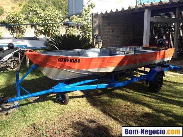 Barco alumínio com motor e carreta rodoviária