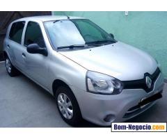 Vendo um Renault Clio Expression, 2013/2014, 16v, completo.42.000 km rodados. Revisado.