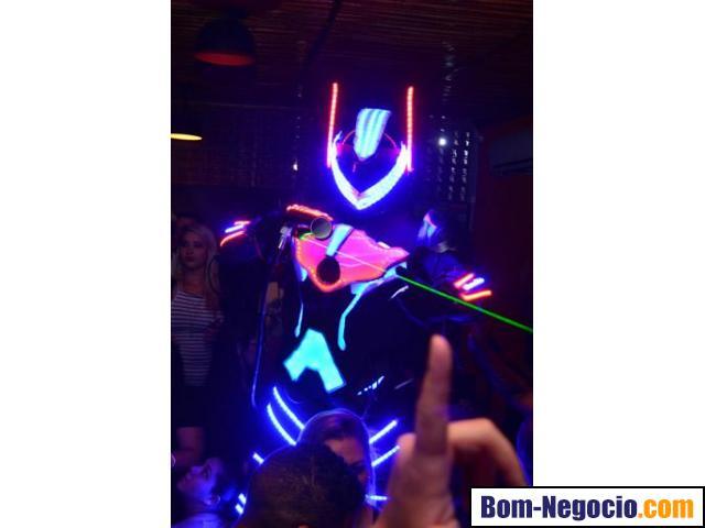 Robô led animação de festas bh, atração diferente para evento belo horizonte