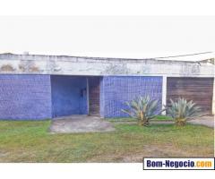 Vendo casa em Santa Cruz - com 900m2 (15x60 terreno)