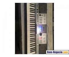 Teclado Yamaha PSR E403
