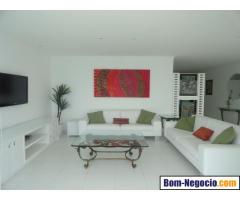 Apartamento à venda na Praia das Pitangueiras, frente total para o mar
