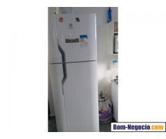 Estou doando geladeira