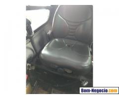 Mini Carregadeira LS220 New Holland